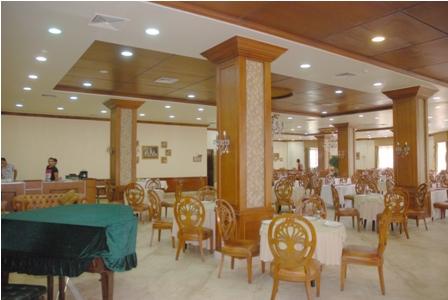 مطعم تريانون الرئيسي