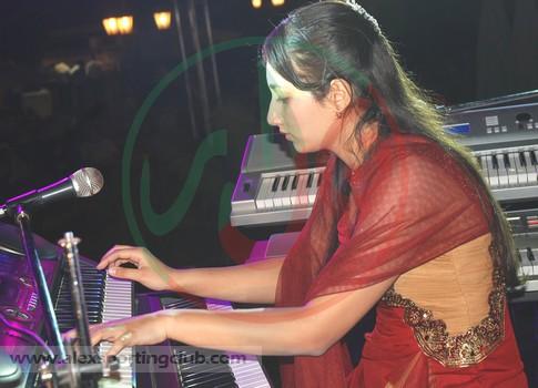 حفل البيانو و الموسيقى3-5-2012 لجنة الحفلات