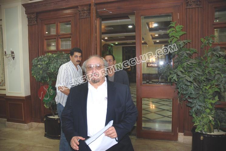 ندوة الدكتور يوسف زيدان 25-5-2011 -اللجنه الثقافيه