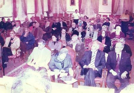 إجتماع مجلس الإداره مع الأعضاء بالصالون 2001